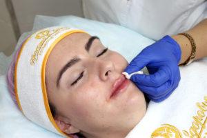 Самой популярной процедурой среди пациентов является увеличение объема губ